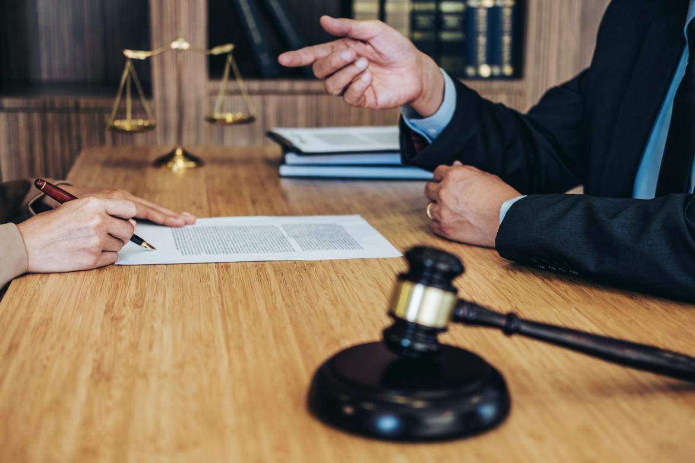 Juridiskie pakalpojumi fiziskām un juridiskām personām